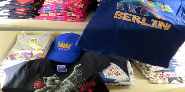 Coole Shirts und Caps für Kids und Erwachsene