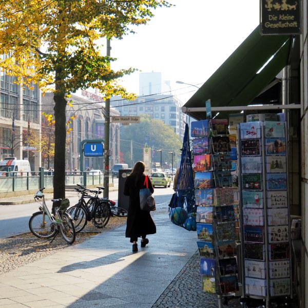 Die kleine Gesellschaft in der Friedrichstraße 129